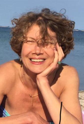 Porträtfoto von Claudia Warias, Kosmetikerin und Iyengar-Yoga-Lehrerin