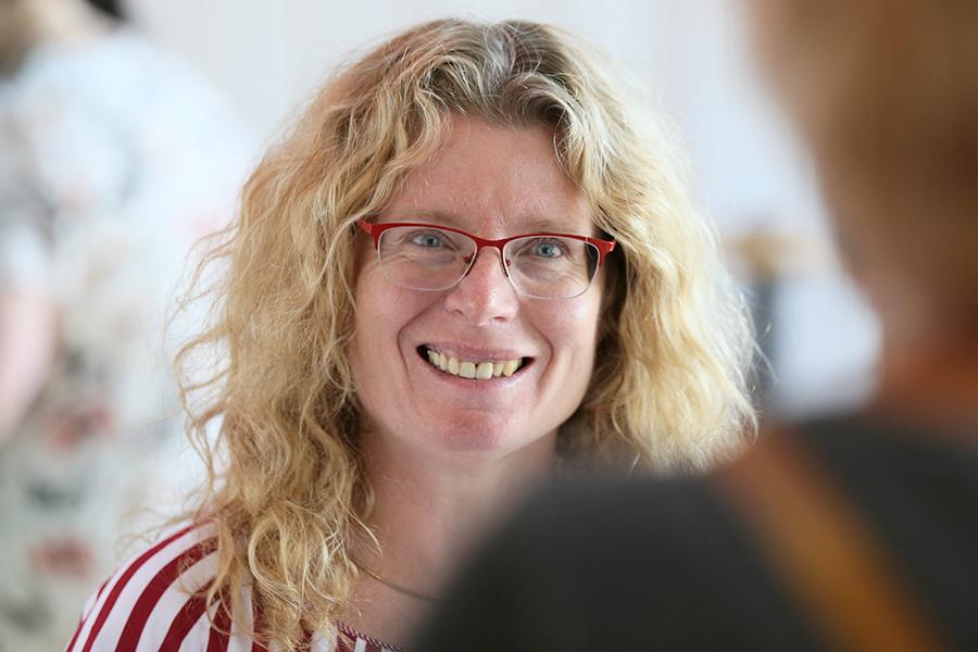 Porträtfoto von Anja Grau, Leiterin Öffentlichkeitsarbeit, DMSG Niedersachsen
