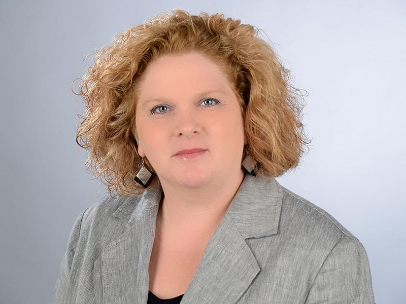 Porträtfoto von Karin May, Geschäftsführerin der DMSG Berlin