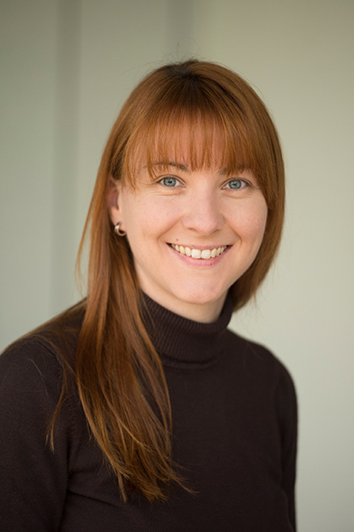 Porträtfoto von Daniela Adomeit vom Amsel e.V.