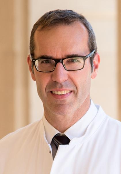 Porträtfoto von Prof. Dr. Mathias Mäurer zum Beitrag über Lifestylefaktoren bei MS